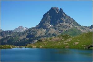 "<p align=""center"">Lac Gentau et Pic du Midi d'Ossau</p>"
