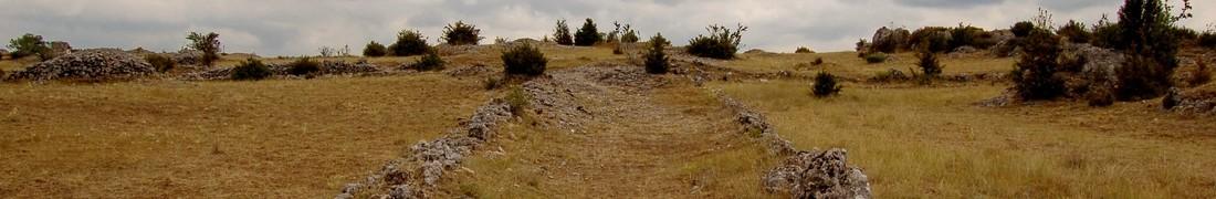 Dans le Larzac, en Aveyron